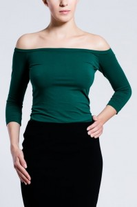 B090 Blouse with cold shoulders. Bottle green.
