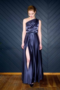 Silk maxi skirt with a slit S118